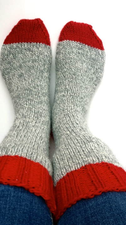 Basic Sock Pattern from Knitting Rules.  Patons Classic Wool.